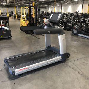 Life Fitness  95T Elevation Se Treadmill